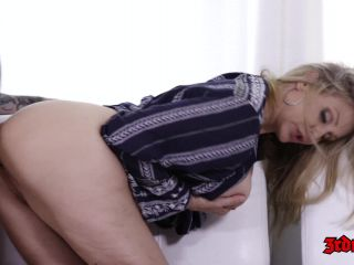 MILF Julia Ann Gets Fucked Hard On Couch  Released Jul 25, 2017-1