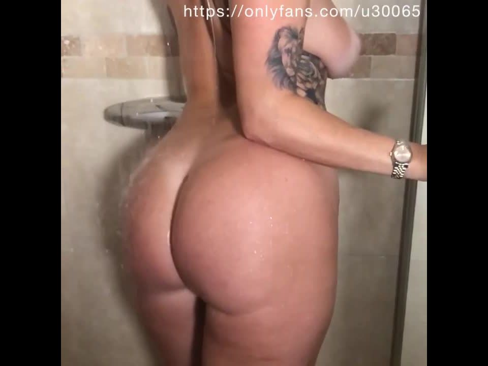 [Paige_turnah] Slow mo shower scenemp4 - 12-12-2018