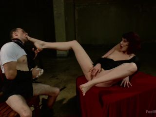 Hypnotizing Foot Worship with Maitresse Madeline (January 10, 2014)-7