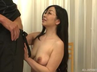 Awesome Curvy mature Akiyama Miho takes off her panties and gives head Video Online-3