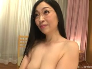 Awesome Curvy mature Akiyama Miho takes off her panties and gives head Video Online-9
