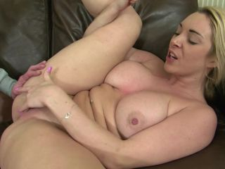 MILF In Heat, Scene 4 - Victoria Summers-8