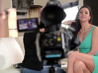 Personal Assistants #4, Scene 1 - Martina Gold-1