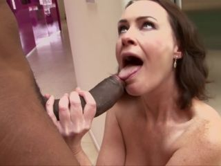 Desperate Mothers And Wives #13, Scene 1 - Veronica Snow-9